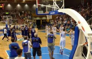 L'Italia in festa dopo la vittoria sulla Francia © 2015 Basketcaffe.com