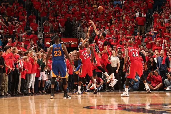 Stephen Curry - © 2015 twitter.com/NBAonESPN